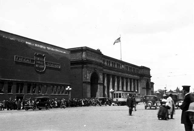 Black and white photograph of the Great Northern Depot (right) and Chicago Great Western Freight Station (left), Minneapolis, c.1918.