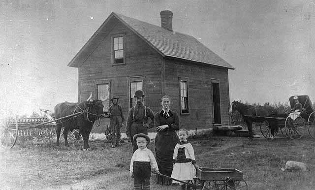 Photograph of the Ellefson homestead