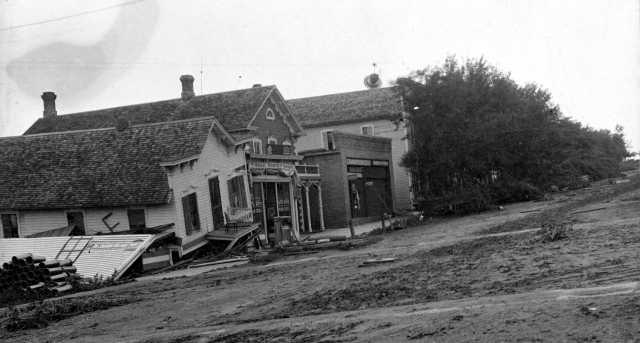 Street scene, 1904