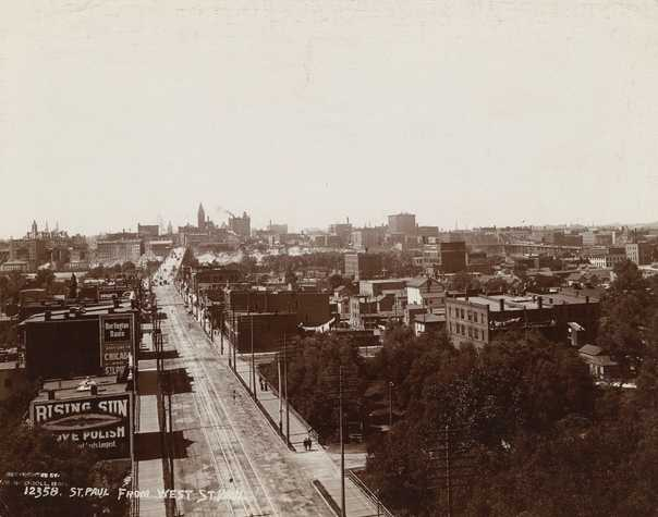 Black and white photograph looking north along Wabasha, the Flats, 1904.
