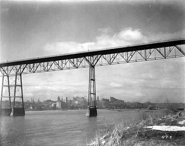 Black and white negative of High bridge c.1917–1926.