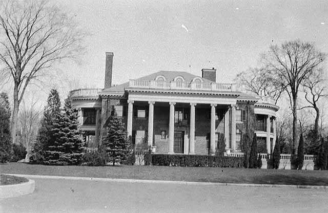 Black and white photograph of Stonebridge, c.1932. Designed by Clarence Johnston in 1914.