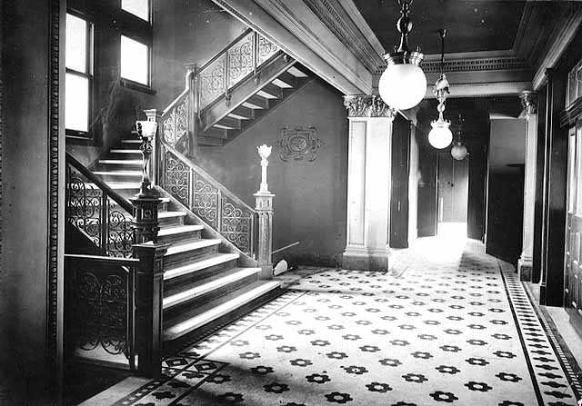 Black and white photograph of the interior of the St. Paul Commercial Club in the Commerce Building, 1912.