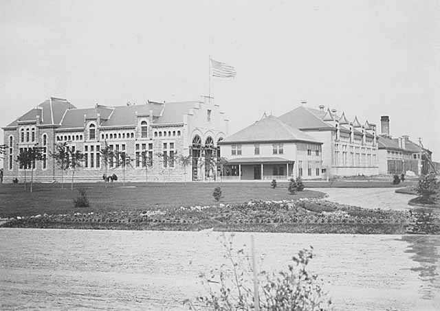 Black and white photograph of St. Cloud State Reformatory, c.1915.