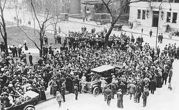Women suffrage meeting at Rice Park in St. Paul