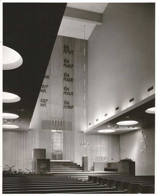Black and white photograph of the interior of Mount Zion Temple c.2012.