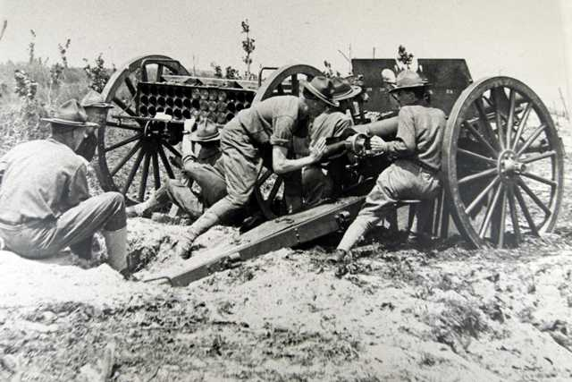 First Minnesota Field Artillery gun crew