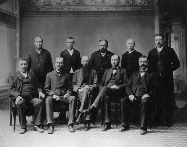 Black and white photograph of Solomon Comstock and other Moorhead residents, ca. 1889.