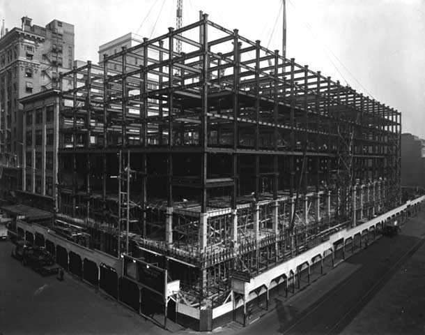 Construction of Northwestern Bank Building at 620 Marquette Avenue