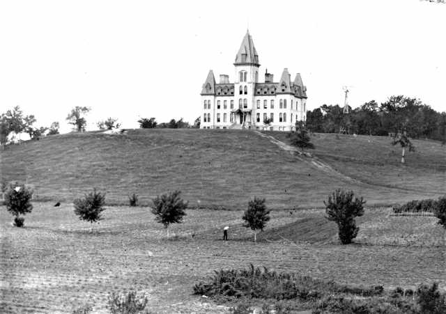 Old Main, St. Olaf College, Northfield, ca. 1890. Photographer: Ole G. Felland. Used with the permission of St. Olaf College Archives.