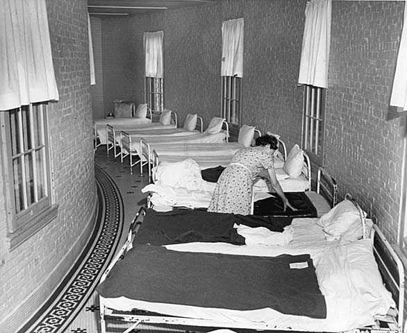 Overcrowded sleeping areas for patients, Fergus Falls State Hospital.
