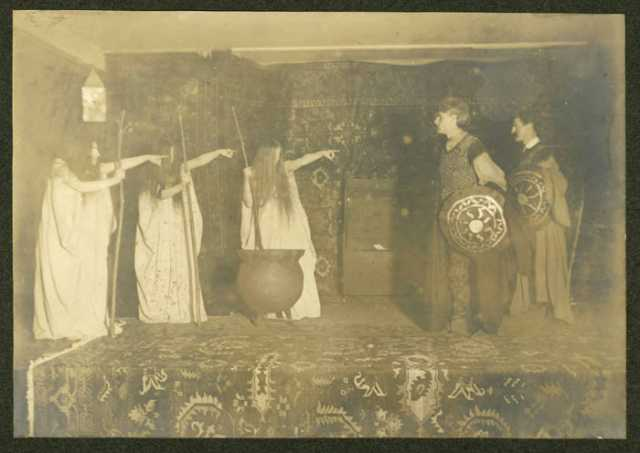 Students performing Macbeth at Macalester, 1907