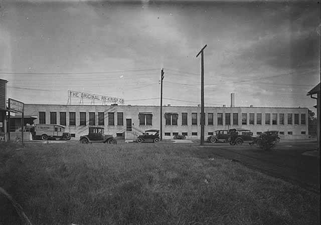 Photograph of the Ry-Krisp Company factory.