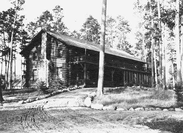 Black and white photograph of Douglas Lodge, 1913.