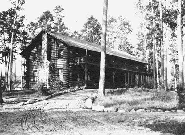 Black and white photograph of Douglas Lodge, 1913.