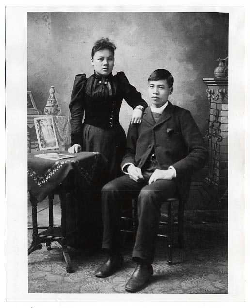 Liang May Seen and Woo Yee Sing while on their honeymoon at the Columbia Exposition in Chicago, Illinois.