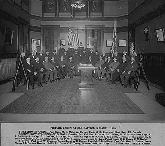 Black and white photograph of a Grand Army of the Republic meeting at the second state capitol, 1909.