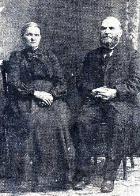 Black and white photograph of Elder Heinrich Voth (right) and his wife, Sara Voth (left), ca. 1910.