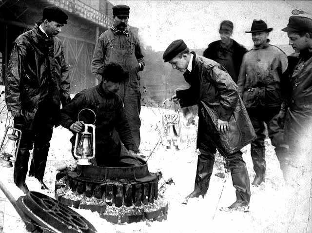 Sewer crew at work, Minneapolis.