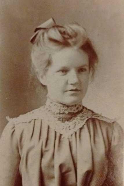 Black and white photograph of Frances E. Andrews, ca. 1900.