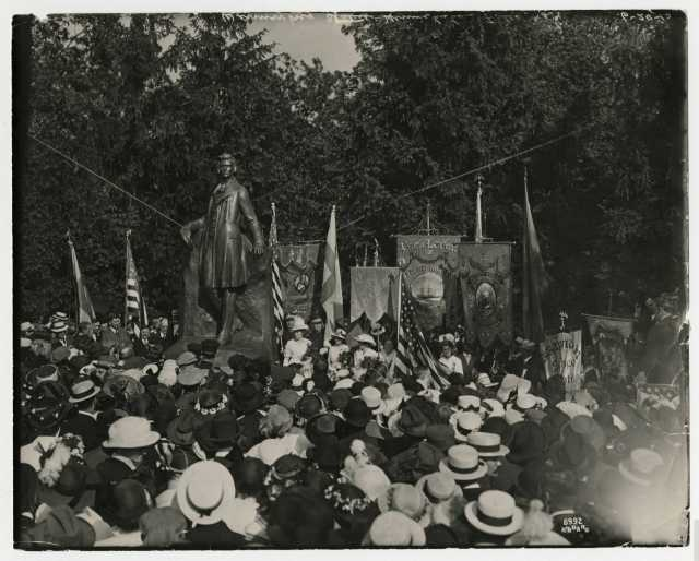 Photograph of Unveiling of Gunnar Wennerberg staute