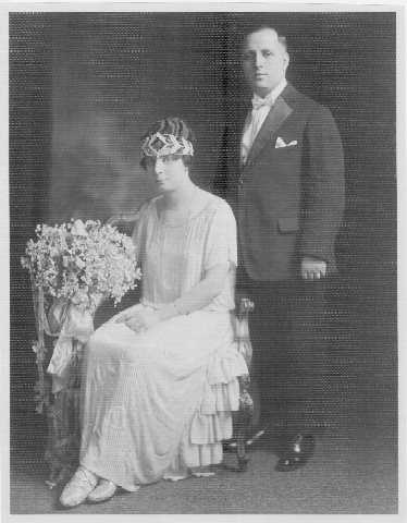 Black-and-white photograph of Wilbur Foshay and his wife Leota.