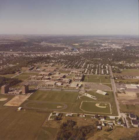 Aerial view of Mankato State University, Highland Campus