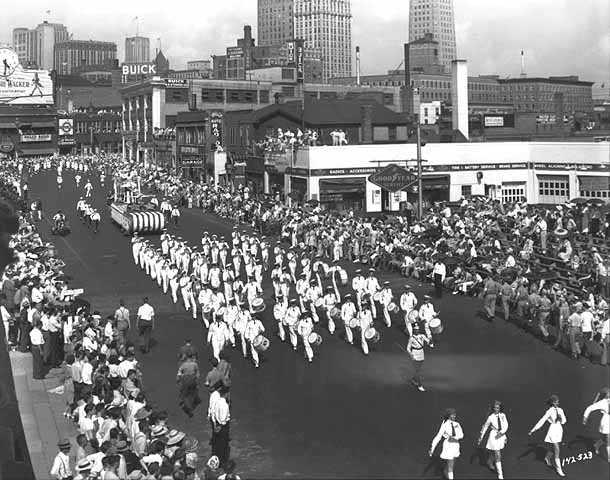 """On To Victory"" Aquatennial Parade, 1942"