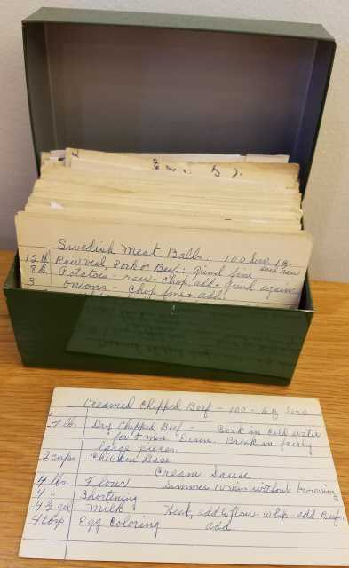 Handwritten mass-quantity recipes for Swedish meatballs and creamed chipped beef, used by Oscar C. Howard in his catering business. Oscar C. Howard papers, 1945–1990, Cafeteria and Industrial Catering Business, Manuscripts Collection, Minnesota Historical Society.