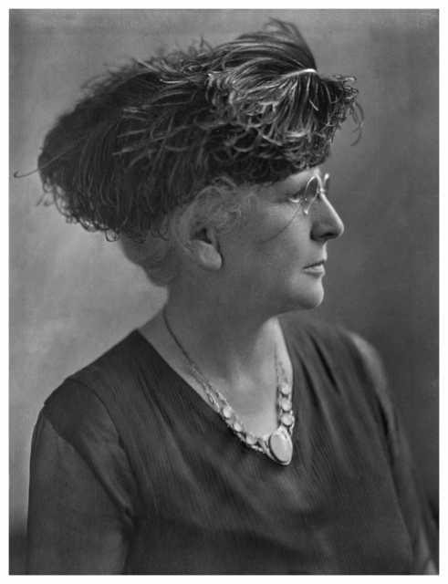 Black and white photograph of Clara H. Ueland, 1918.