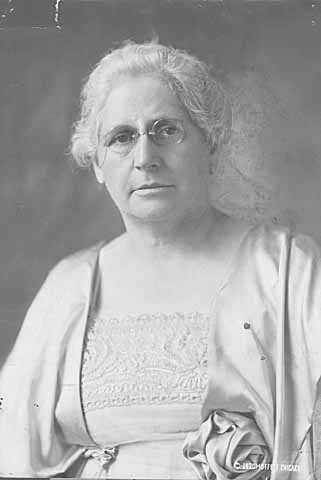 Clara Ueland, 1920. Photo by Moffett Studio Photography.