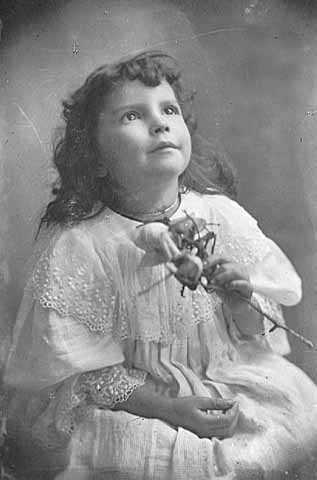 Photograph of Wanda Gág at the age of about three, c.1896.