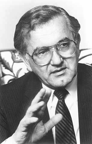 Black and white photograph of Minnesota governor Rudy Perpich, c.1985.