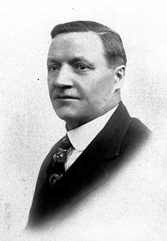 Black and white photograph of Arthur Le Sueur, stepfather of Meridel Le Sueur, c.1912.