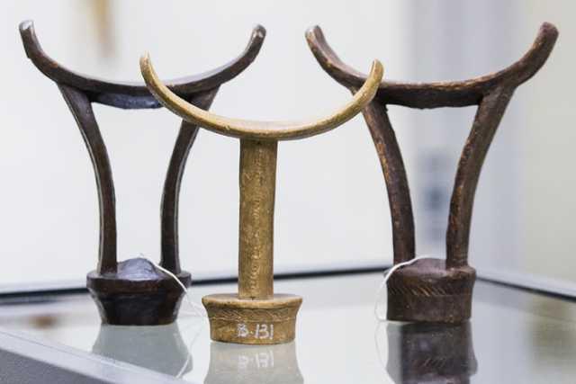 Photograph of barkin (bar-kin; traditional Somali headrest)
