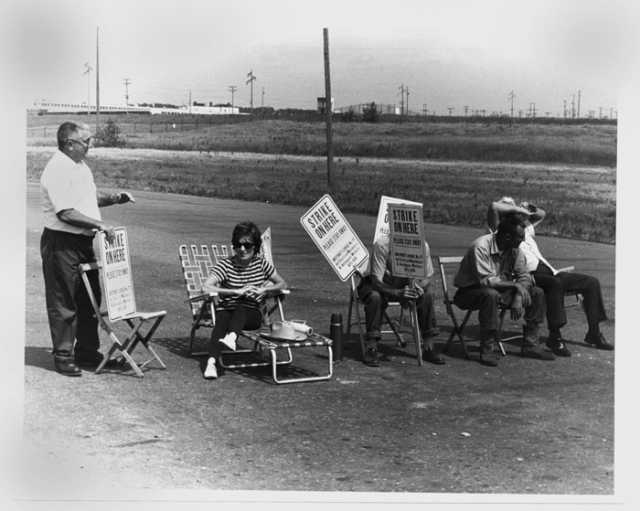 Workers on strike at the Twin Cities Army Ammunition Plant