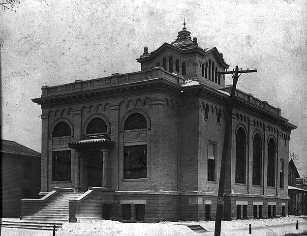 Black and white photograph of Temple Israel, Minneapolis, c.1916.