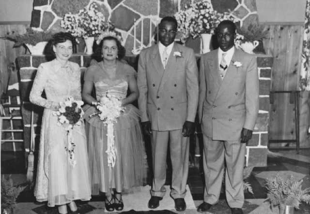Wedding photograph of John and Anne Lyght(middle)