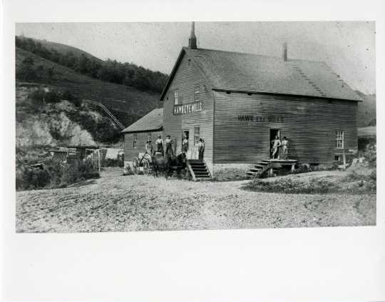Black and white photograph of Hawkeye Mills, Hay Creek.