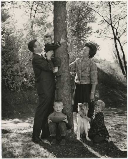 Walter and Joan Mondale with their children