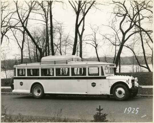 A tour bus on the Jefferson Highway, 1925