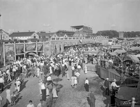 Midway and crowd at the Minnesota State Fair