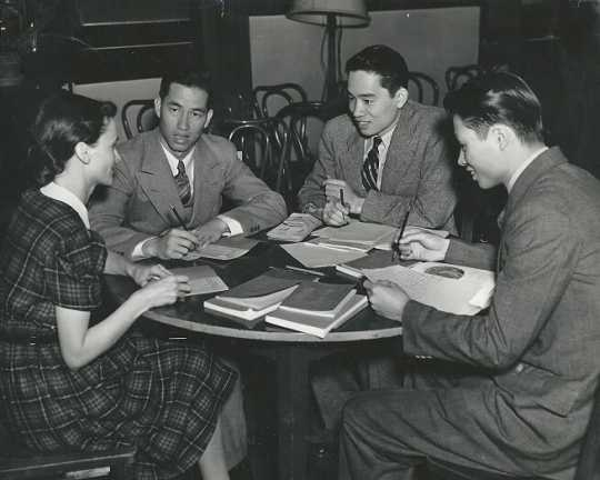 English class at the St. Paul YWCA, 1938