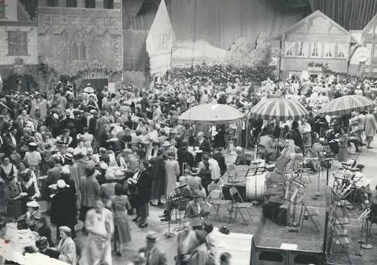 1942 Festival of Nations market