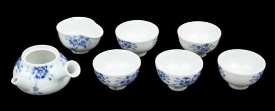 Blue-and-white Chinese tea set for a doll