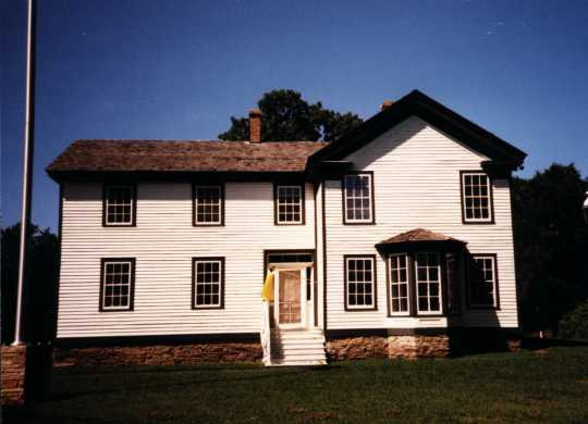 Color image of the Banfill Tavern/Locke House, 1989.