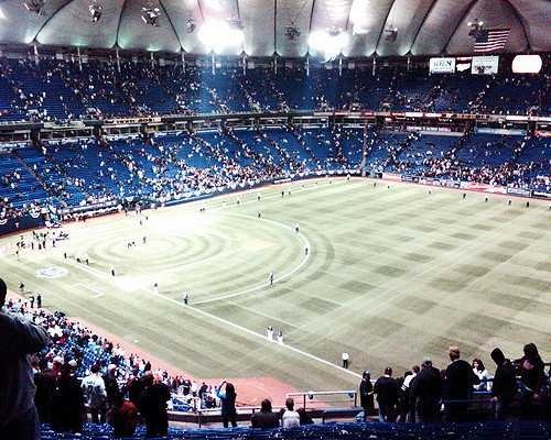 Color image of the last Minnesota Twins game at the Hubert H. Humphrey Metrodome, 2009.