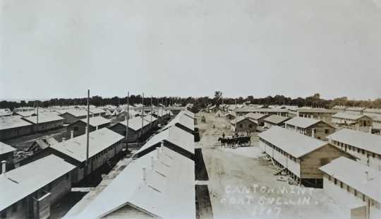 Black and white photograph of cantonments at Fort Snelling, 1917.