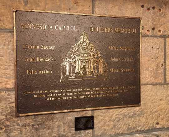 Capitol builders' memorial plaque