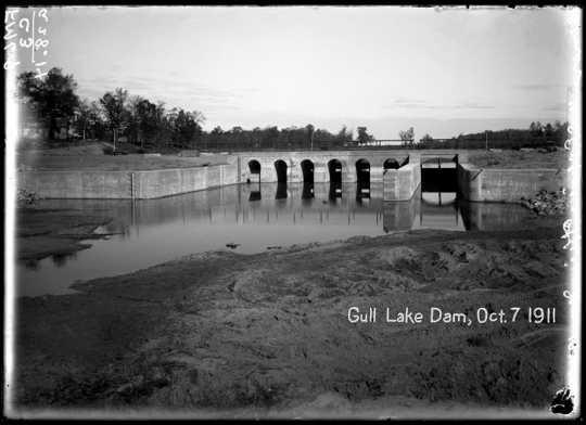 Gull Lake Dam